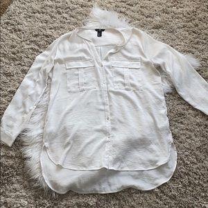 🤘🏼H&M white shiny button down blouse
